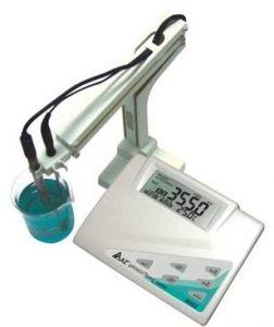 pH meter رومیزی